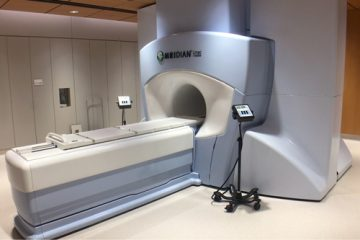 An MRI-guided linear accelerator