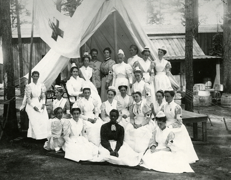 1898 photograph of Anna Maxwell with nurses at the Sternberg Field Hospital, Georgia.