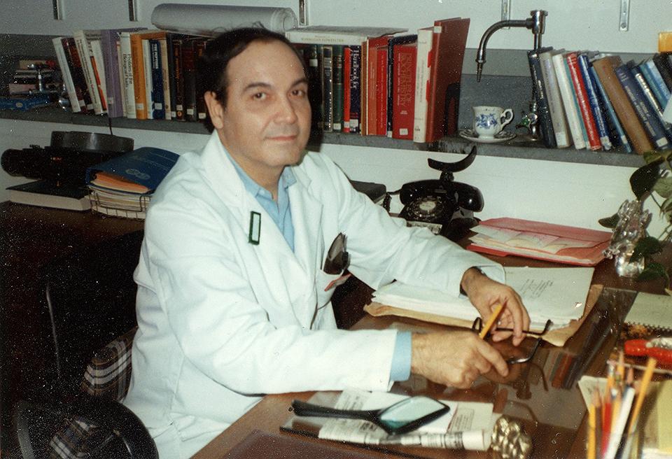 Dr. Brij Saxena